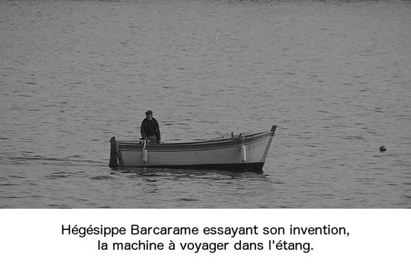 Hégésippe Barcarame essayant son invention, la machine à voyager dans l'étang.