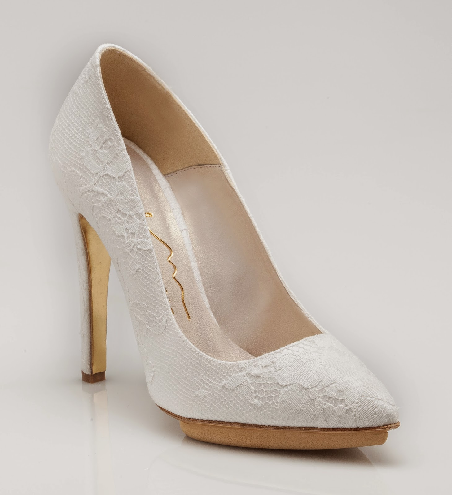 6e999ad95ce4b La Enzo Miccio Bridal Collection LUXURY SHOES è prodotta e distribuita da  Nicole Fashion Group