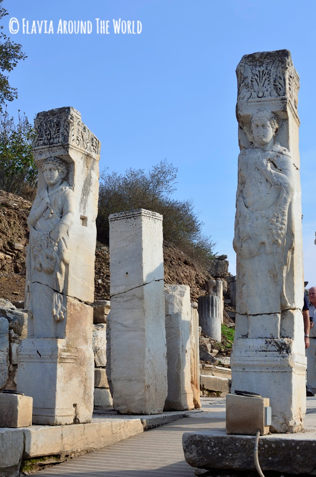 Columnas de la vía de los Curetes en Éfeso