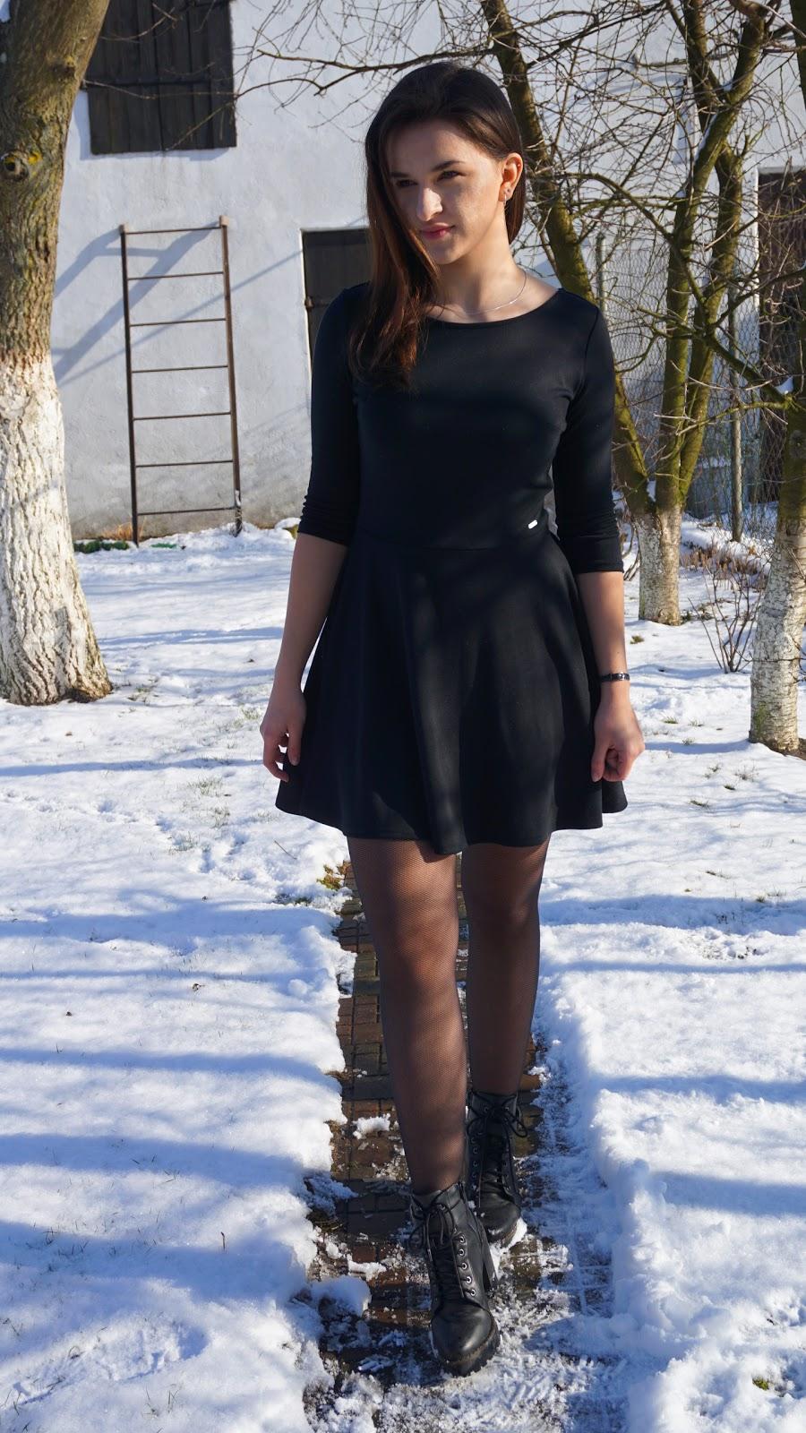 5d472adf79 Veronicallmee  Czarna sukienka na każdą okazję