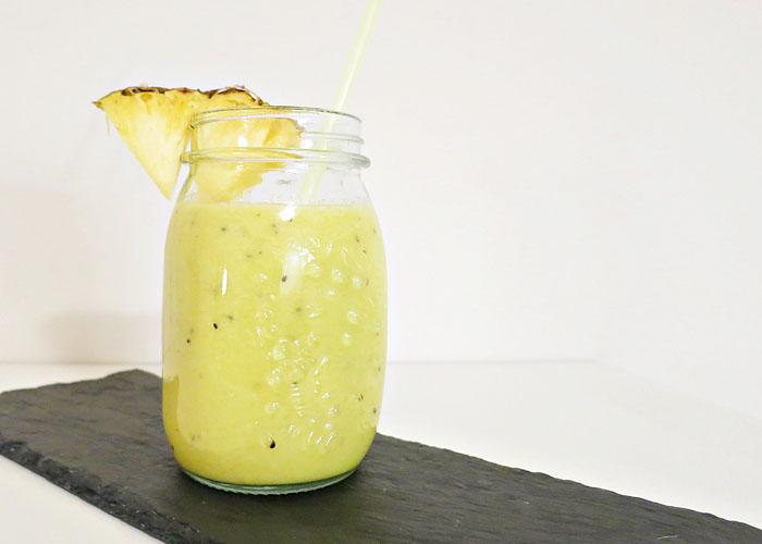 Ananas-Bananen-Kiwi Smoothie