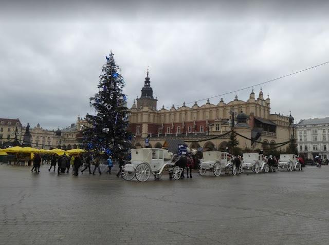 Rynek Główny mercato di Natale e carrozze