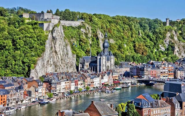Dinant na Bélgica