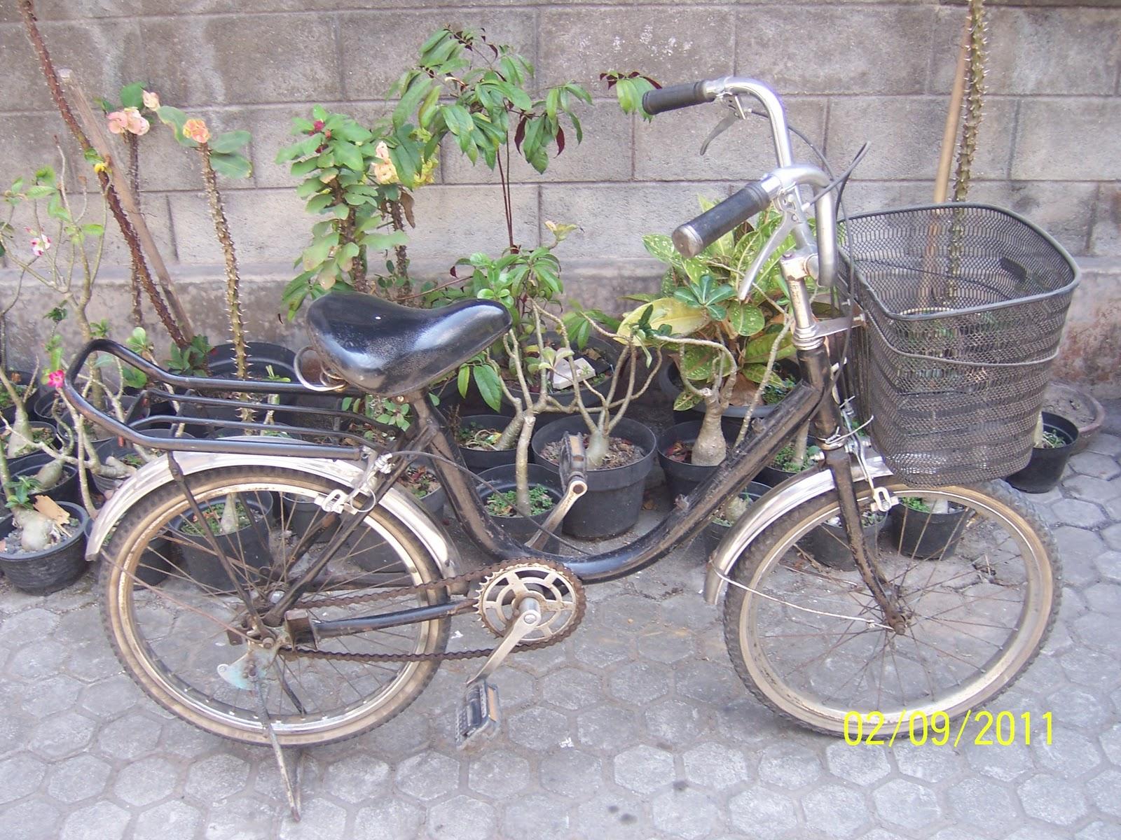 Warung Jadul dan antik Sepeda mini jadul TERJUAL