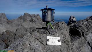 En la cima del pico Tesorero en los Picos de Europa.