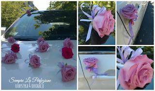 Ślubna dekoracja samochodu z róż
