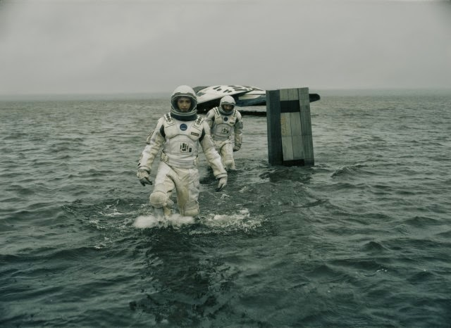 Review dan Sinopsis Film Interstellar (2014)