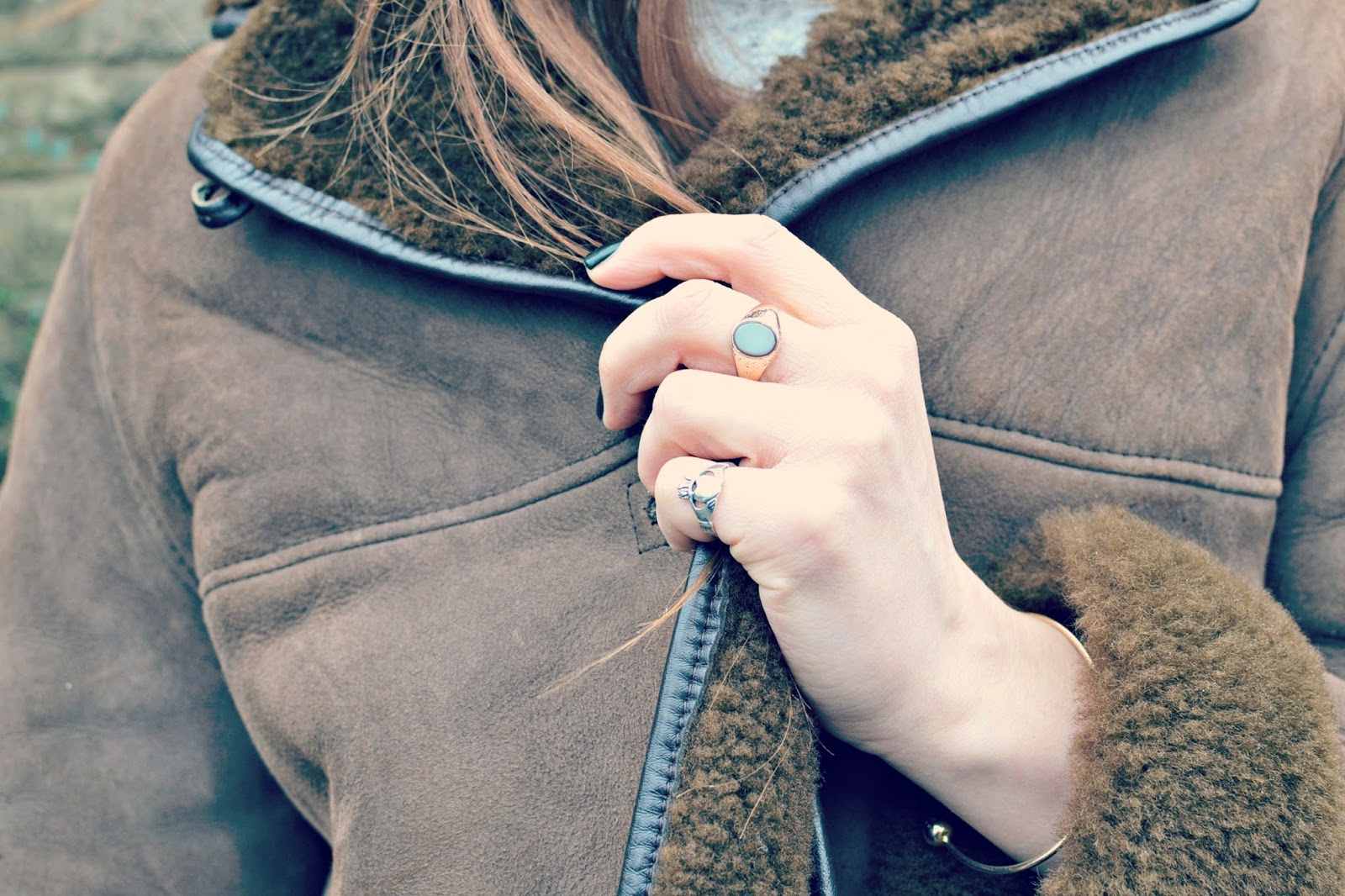 vintage sheepskin coat, blogger, vintage rings