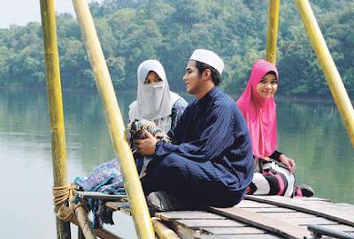 https://cnmbvc.blogspot.com/2017/09/poligami-menurut-islam-dan-dalilnya.html