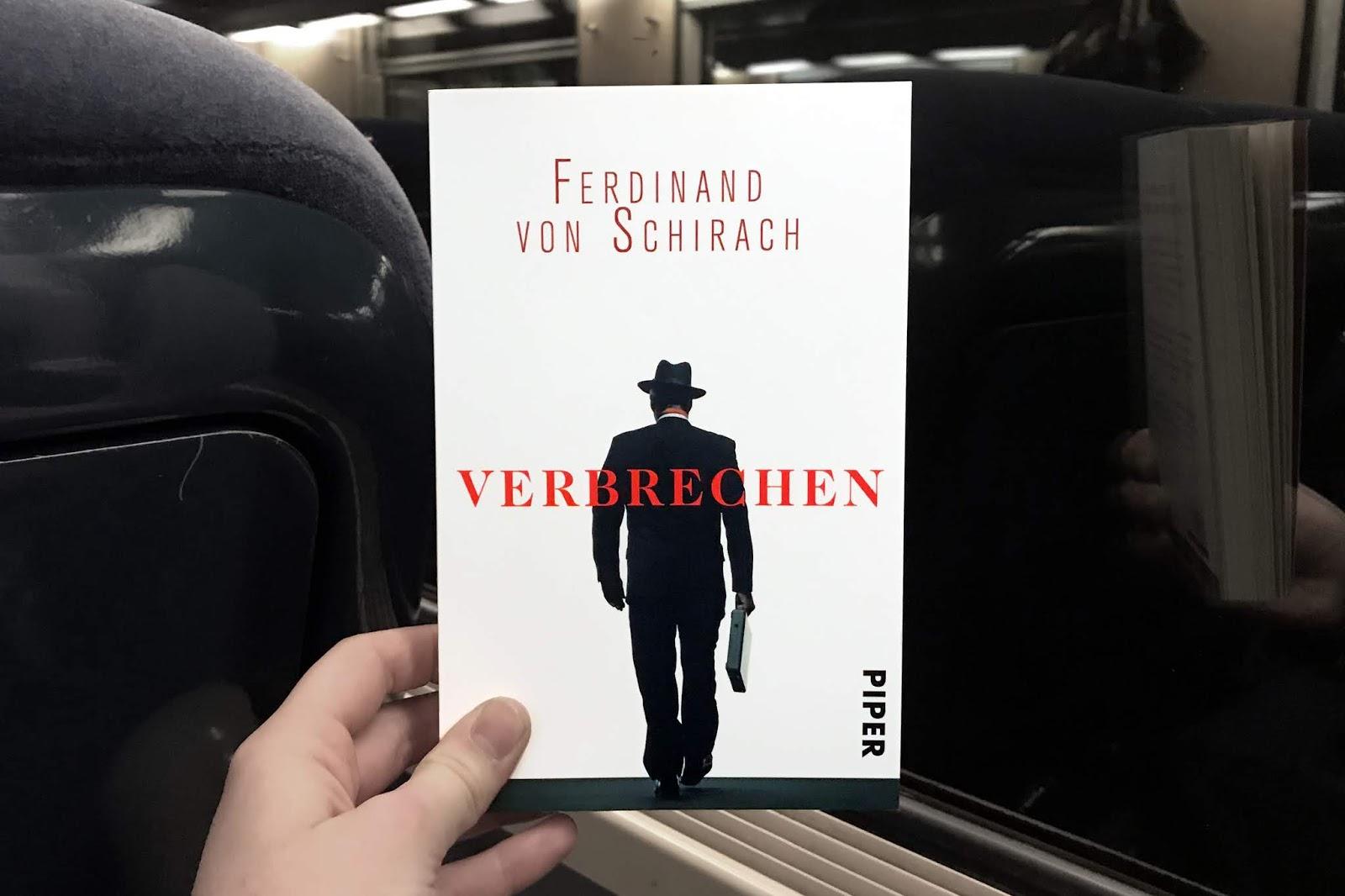 Rezension Das Haus der bunten Bücher Ferdinand von Schirach Verbrechen