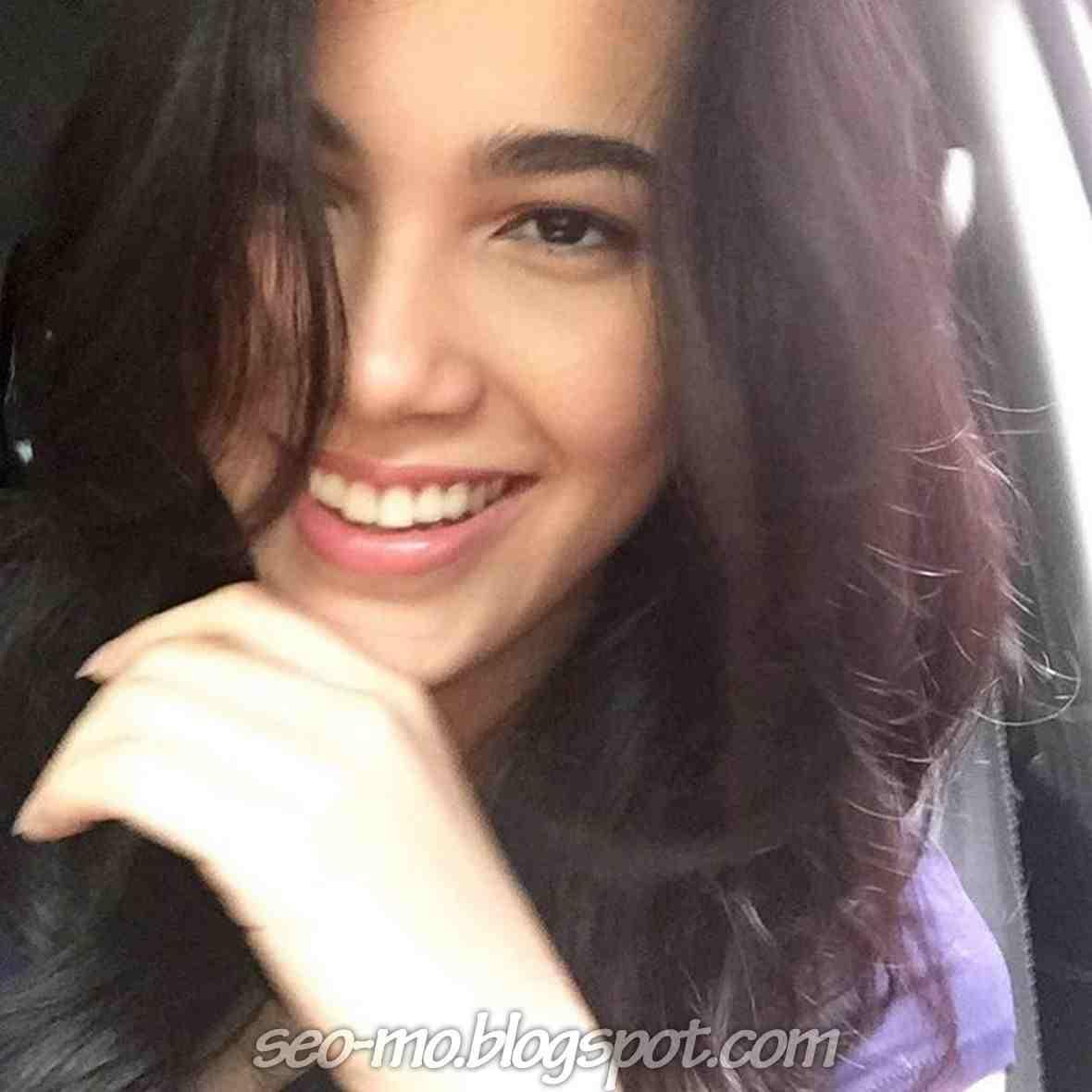 Poto Selfie Michella Putri Terbaru