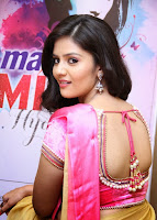 Srimukhi images 30.jpg
