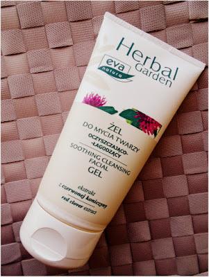 Dobry kosmetyk wcale nie musi być drogi... Recenzja oczyszczająco-łagodzącego żelu do mycia twarzy Herbal Garden.