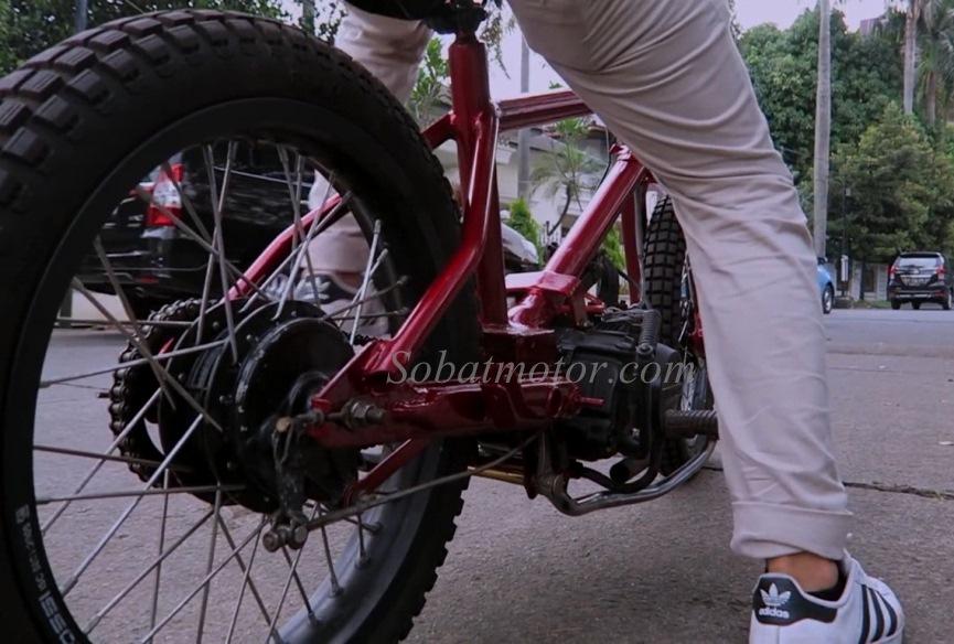 Modifikasi Sepeda Bmx Bermesin Honda Grand Ini Unik Asik He He Ga Bisa Jalan Jauh Sob