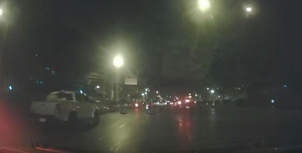 Η αστυνομία αναζητούν δυο υπόπτους οι οποίοι άνοιξαν πυρ στην Μπανγκόκ (VIDEO)