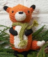 http://www.redheart.com/free-patterns/fox-ornament