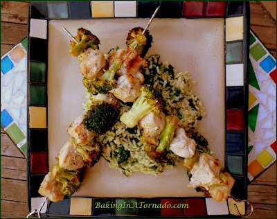 Ranch Chicken and Broccoli Kabobs: Chunks of chicken and broccoli florets marinated, skewered and grilled. | Recipe developed by www.BakingInATornado.com | #recipe #dinner