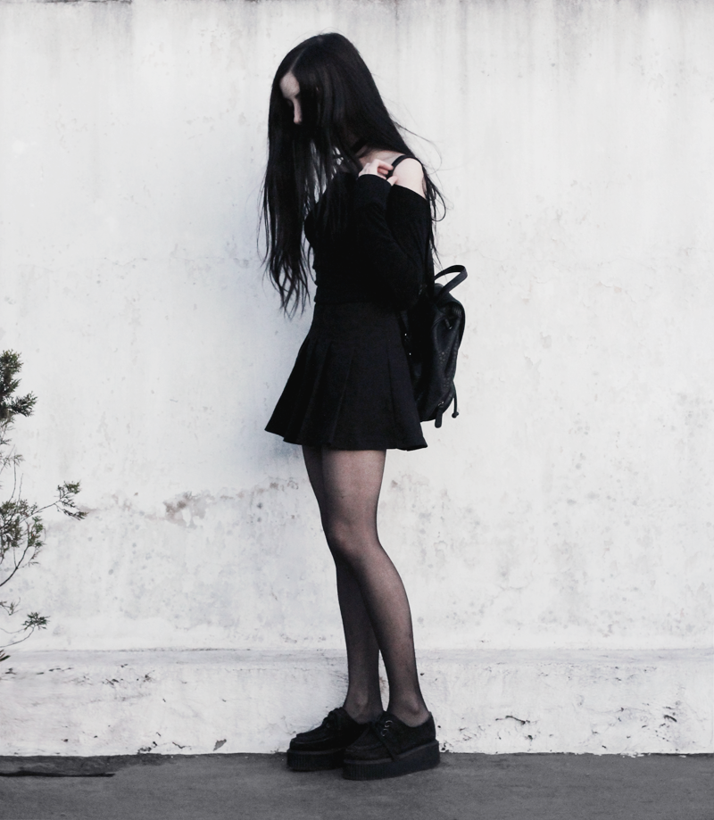 outfit, blogger, blog, fashion, nocturne, gothic, black, hair, pale, creepers