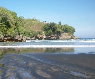 Pantai Serang Panggungrejo blitar Pantai di Jawa Timur yang Belum Terjamah