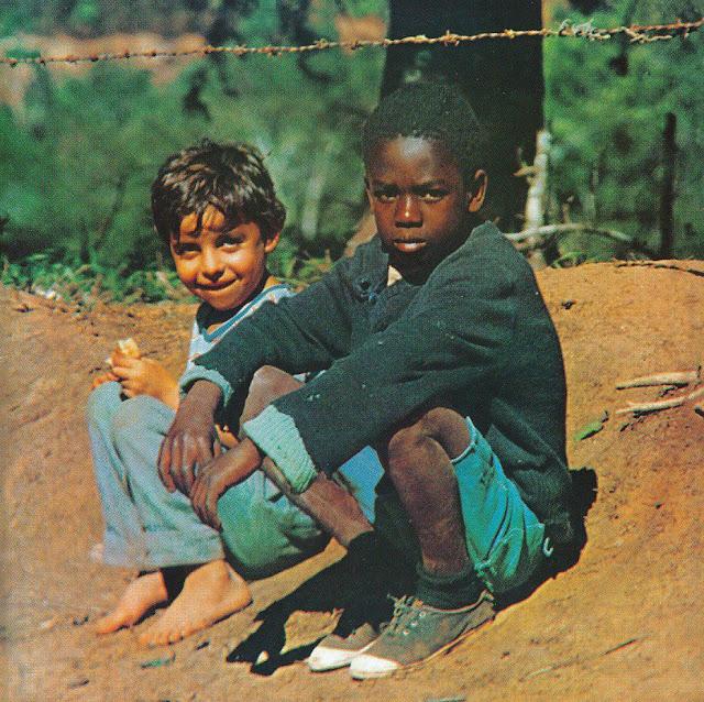 Referência da Capa do CD Heresia do Djonga - Clube da Esquina (Milton Nascimento e Lô Borges) Recomendo que ouça