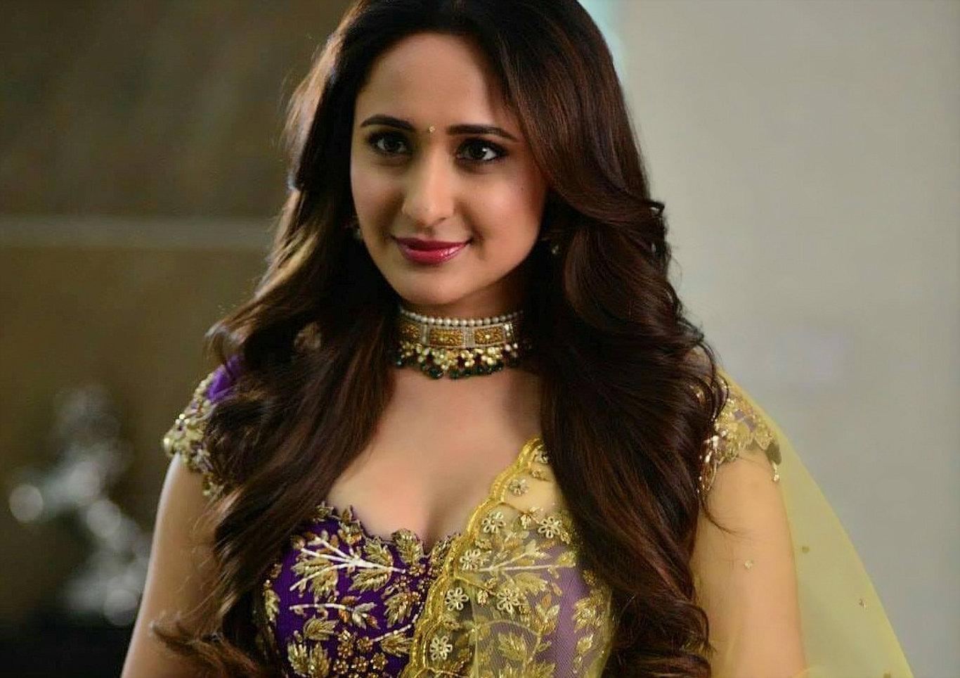 Pragya Jaiswal Hot Look HD Wallpaper