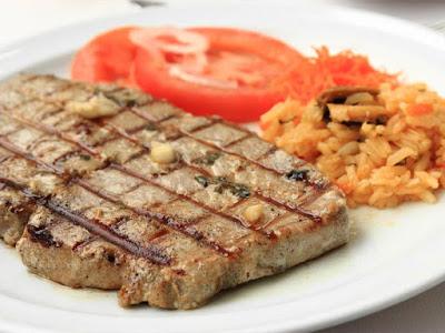 Tuna Steak and Rice Primavera