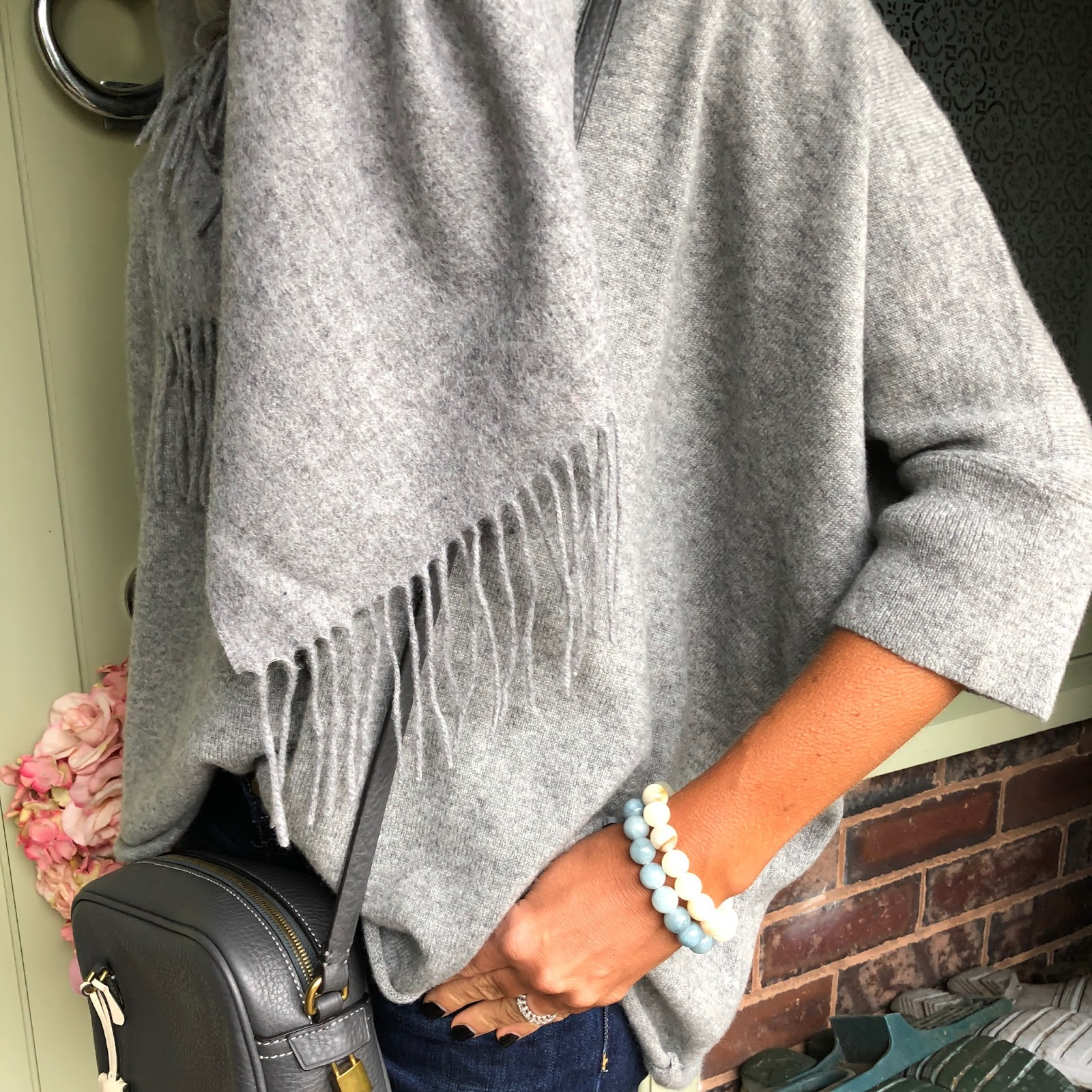 my midlife fashion, italy in cashmere light grey pure cashmere short sleeev oversized batwing sweater
