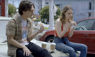 love tv netflix judd apatow gillian jacobs paul rust 2016 sandwich