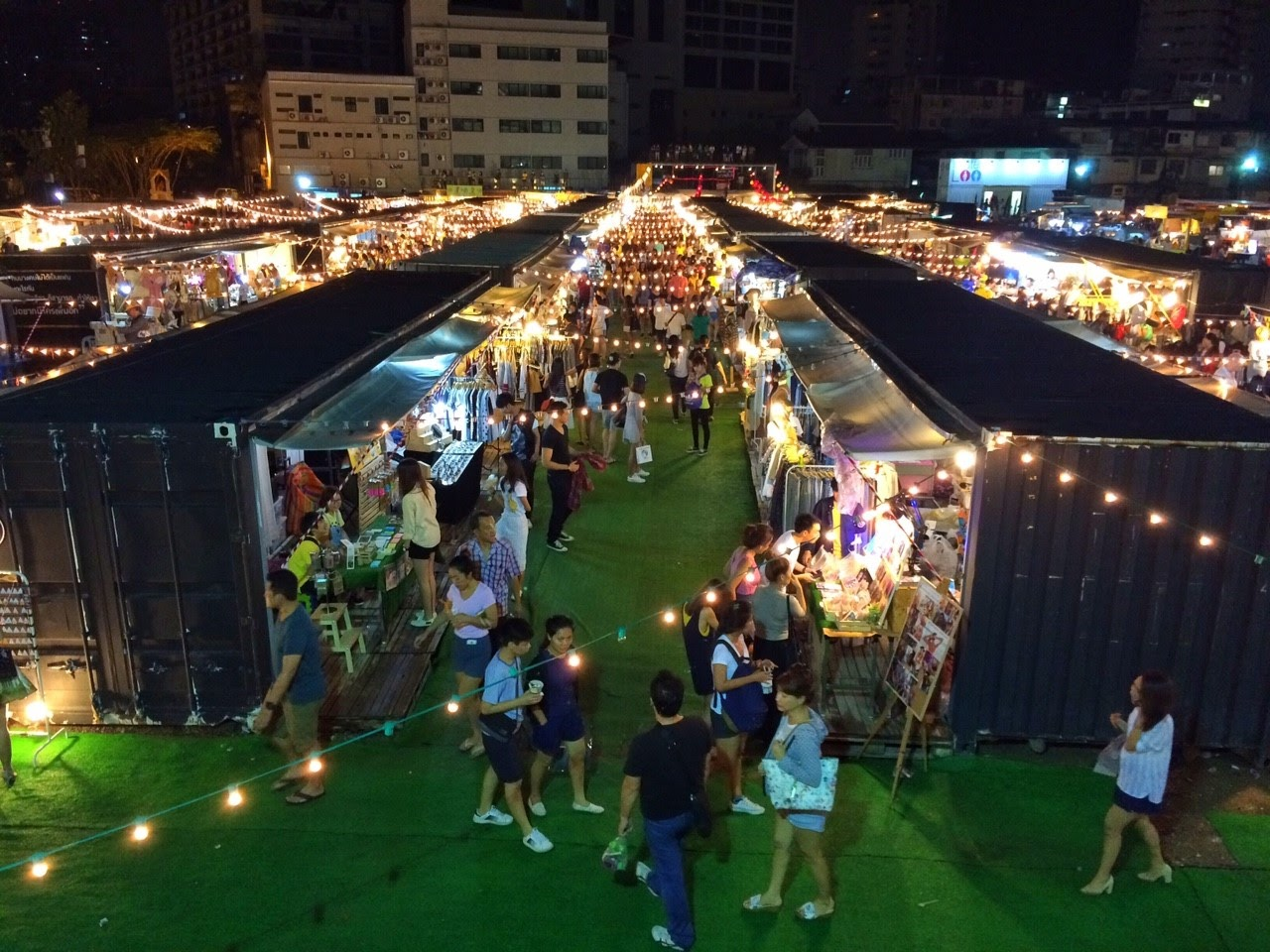 曼谷二訪——期間限定的「ARTBOX」貨櫃市集