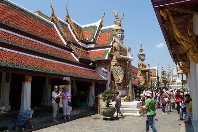 Teren świątyni w Bangkoku