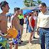Recorre Evodio playas de Acapulco y saluda a turistas