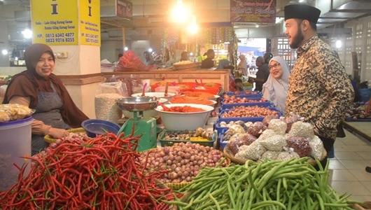 Serap Aspirasi Pedagang Pasar, Wako dan Wawako Padang Panjang Lakukan Monev