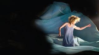 """""""Η κυρά της θάλασσας"""" του Ερρίκου Ίψεν, σε σκηνοθεσία Χάιντς-Ούβε Χάους."""