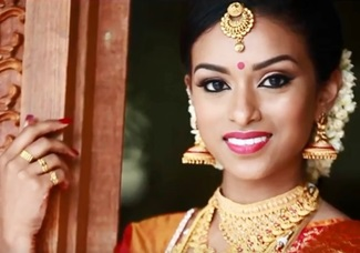 A BEAUTIFUL KERALA WEDDING KUMARAN WEDS SINI