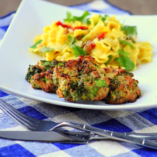 Cheesy Baked Broccoli Fritters