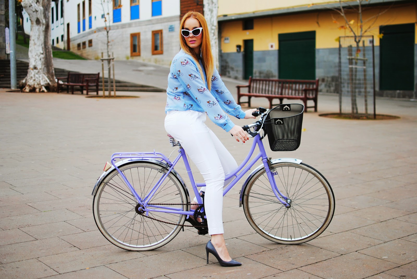 nery hdez, blonde, sugarhill , white pants, zerouv sunglasses, cat sunglasses,vintage bicycle