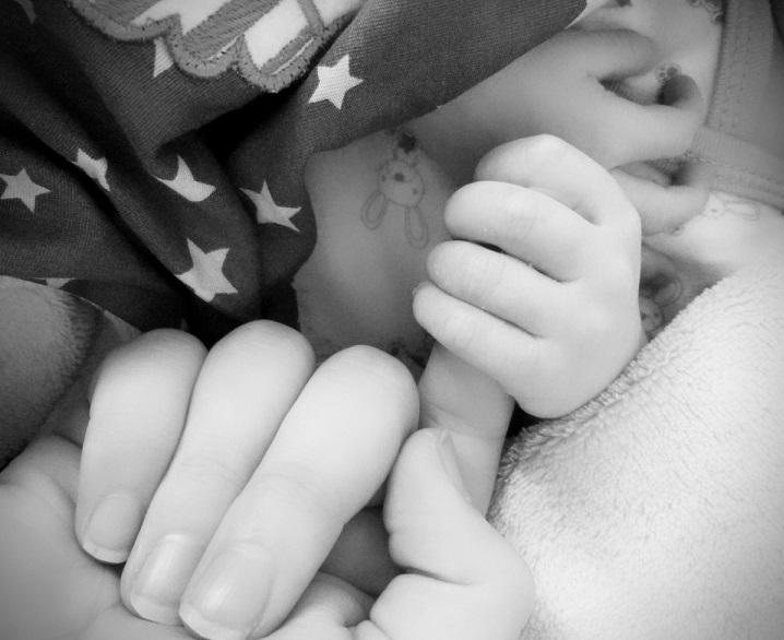 10 choses à ne pas faire avec bébé, soins, nouveau-né, éveil, bébé, maman, parents, coucher bébé, laisser pleurer bébé