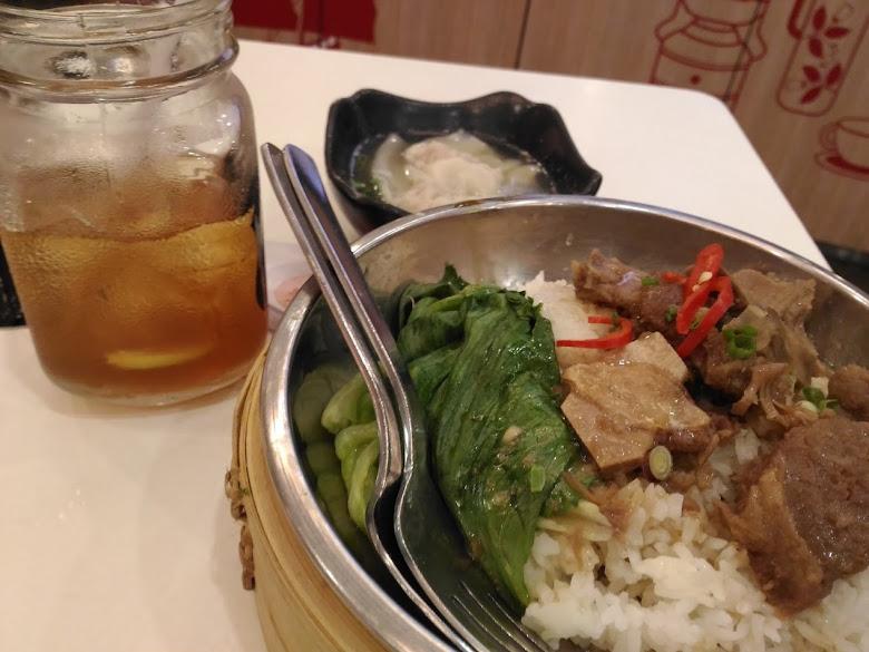 晚餐-蝦醬排骨飯 8.55 SGD