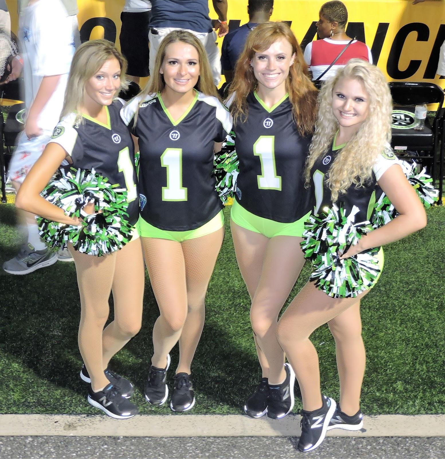 Cheerleader hot college2