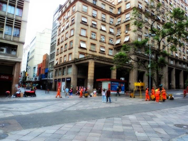 Esquina Democrática, em Porto Alegre: Cruzamento da Rua dos Andradas com a Avenida Borges de Medeiros