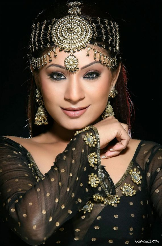 Fashion Fade Style Is Eternal Matha Patti For Brides