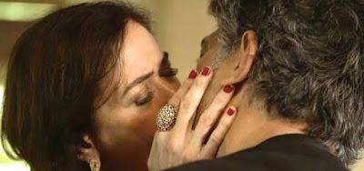 Murilo (Eduardo Moscovis) dará beijaço em Valentina (Lilia Cabral) em O Sétimo Guardião