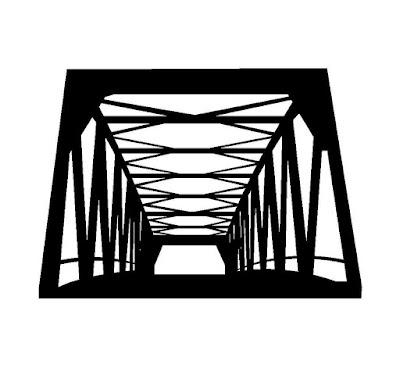 古い木造の橋のシルエット