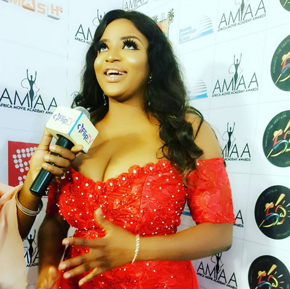 Funke-Adesiyans-boobs-at-the-2017-AMAA2017