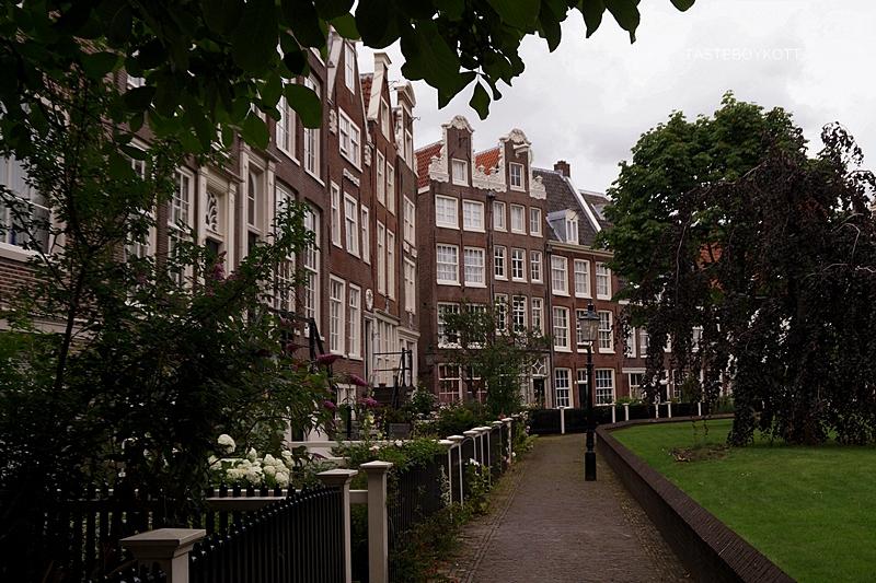 Amsterdam - Meine 11 liebsten Aktivitäten und Tipps. Ein Highlight ist der Begijnhof!