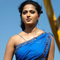 Anushka hot in saree