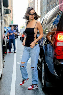 Bella-Hadid-Is-Seen-Out-in-NYC-04-662x991+%7E+SexyCelebs.in+Exclusive.jpg