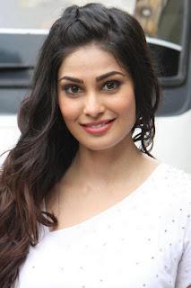 بوجا غوبتا (Puja Gupta)، ممثلة وعارضة أزياء هندية