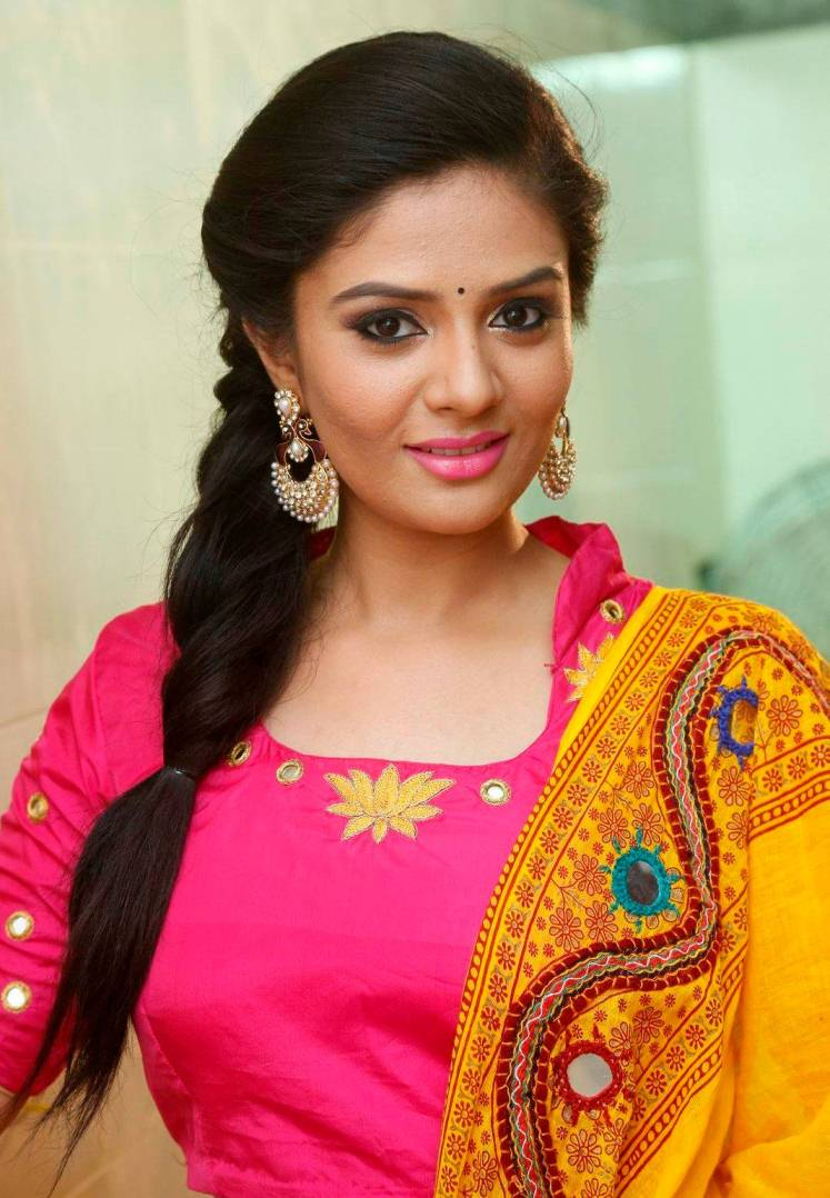 Telugu TV Anchor Hot Photos In Yellow Half Saree Sreemukhi