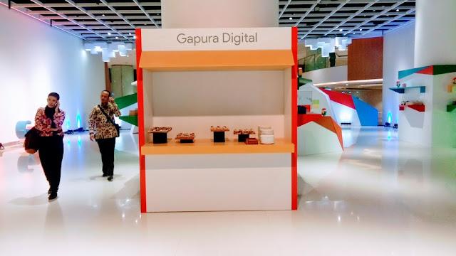 Sudut lain dRI produk yang dipamerkan pada acara Peluncuran Situs Web dari Google Bisnisku